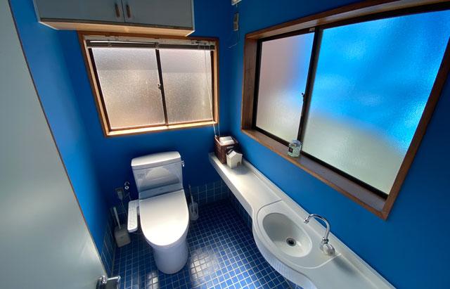 富山県富山市岩瀬の売薬宿屋「山キ」の資料室のトイレ