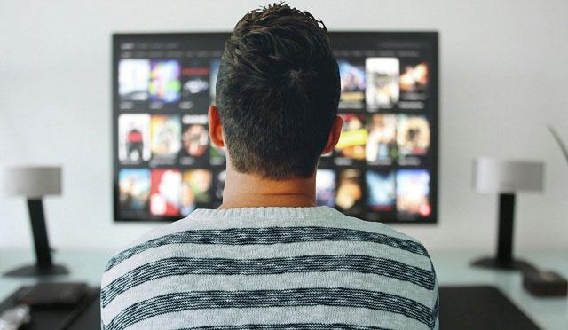 動画配信サービスで映画やドラマ、アニメを自宅で楽しむ