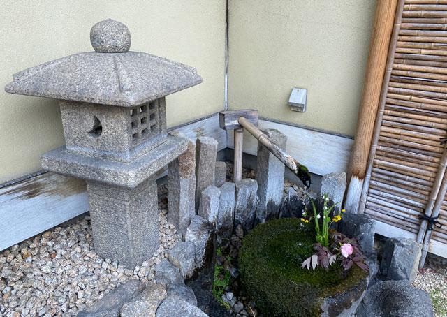 ミシュラン三つ星の日本料理山崎のししおどし