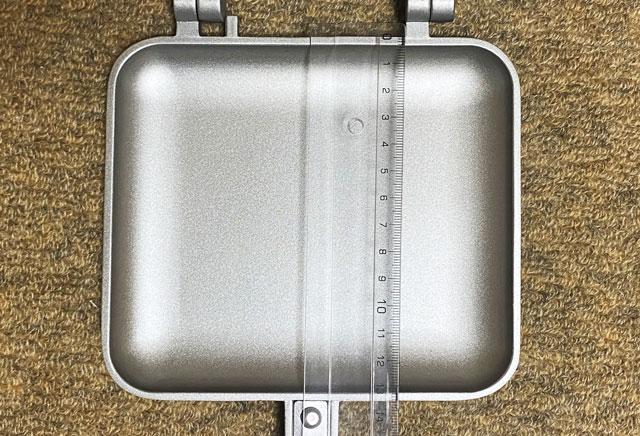 コーベックの直火式(ガス火専用)ホットサンドメーカーの大きさ(縦の長さ)