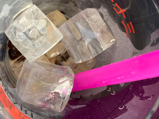 タピオカ専門店「PEARL TEA(パールティー)」MEGAドンキホーテUNY魚津店の氷