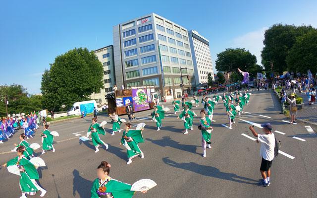 とやま祭りのヨサコイパレード