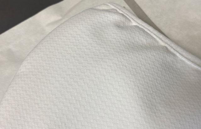 UNIQLOのエアリズムマスクの外側の素材(アップ)