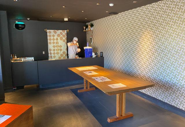 富山の老舗和菓子屋「引網香月堂」のかき氷カウンター