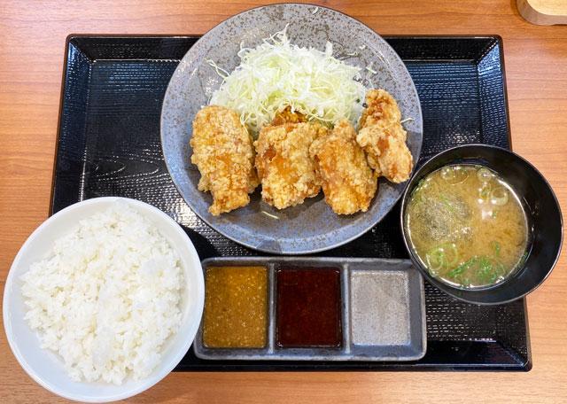 唐揚げ専門店からやま富山飯野店の「からやま定食」