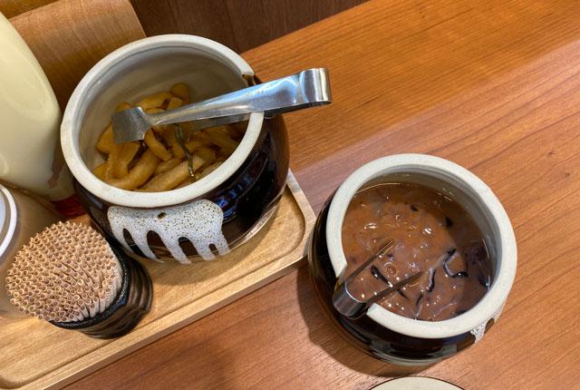 唐揚げ専門店からやま富山飯野店の塩辛と大根の漬物