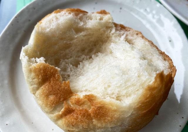 富山市呉羽山にある穴場カフェ喫茶店「青い丘(あおいおか)」のモッチモチのパン