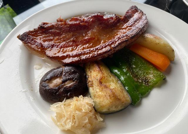 富山市呉羽山にある穴場カフェ喫茶店「青い丘(あおいおか)」の付け合わせの野菜