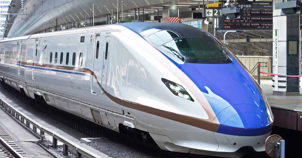 北陸新幹線とホーム