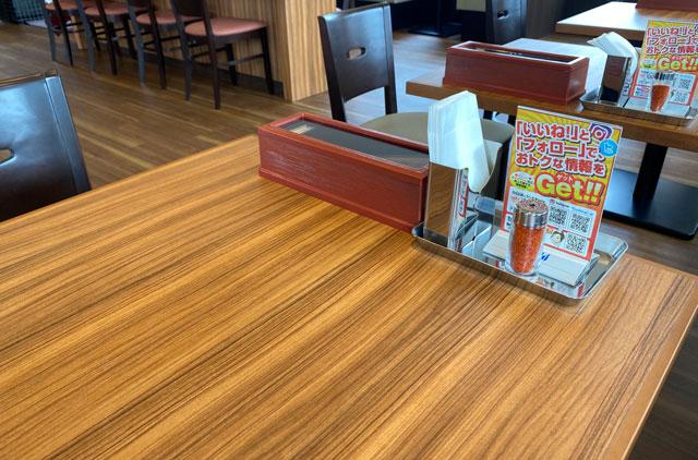 カルビ丼&スン豆腐専門店「韓丼」富山店のテーブルセット