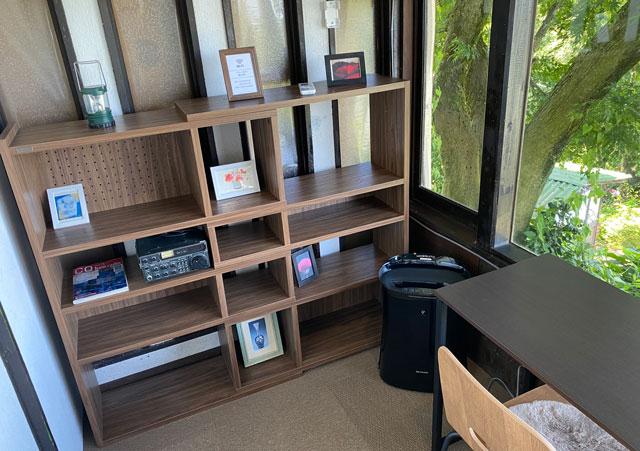 富山市呉羽城山のコワーキングスペース&カフェ「空の森」のコワーキングスペースの装飾