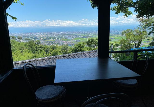 富山市呉羽城山のコワーキングスペース&カフェ「空の森」からの眺め・景色2