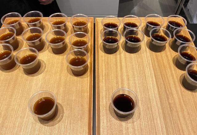 富山市の総曲輪ベース、hazeru coffee(ハゼルコーヒー)の飲み比べ