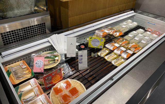 富山市の総曲輪ベース、魚訓(うおとき)の干物など