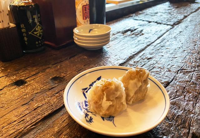 富山市の総曲輪ベース、酒場ヤマ富の豚焼売