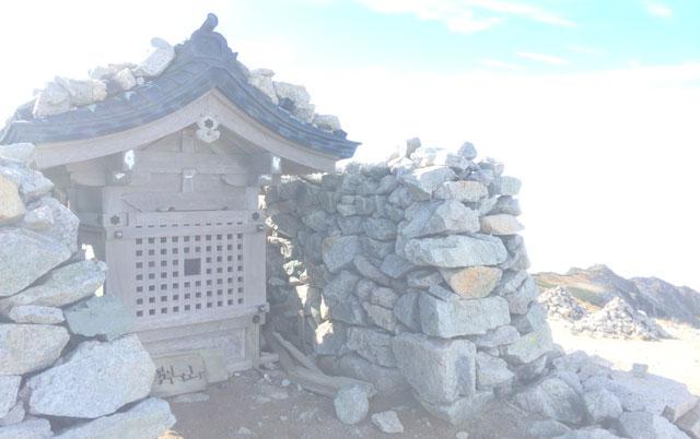 立山三山縦走の一つ「別山 べつざん」