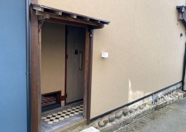 富山県南砺市井波のベッドアンドクラフトのMITU(ミツ)外観
