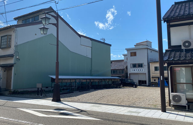 富山県南砺市井波のベッドアンドクラフトLOUNGE(ラウンジ)のパーキング