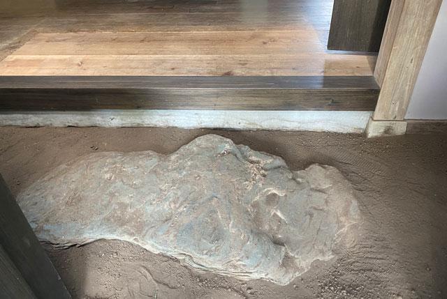 富山県南砺市井波のベッドアンドクラフトのRoKu(ロク)のエントランス