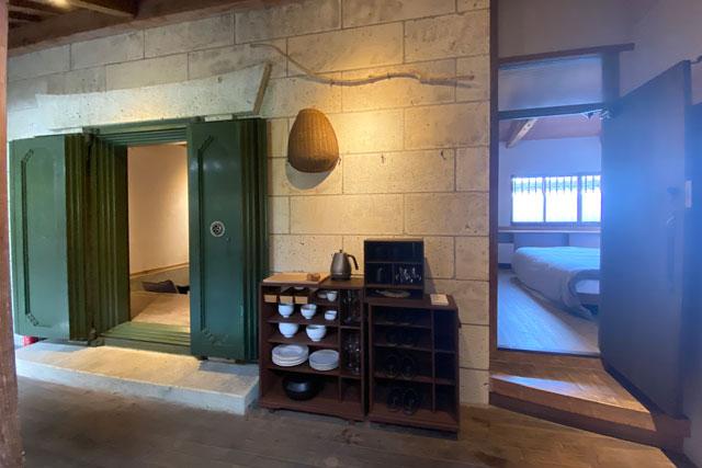 富山県南砺市井波のベッドアンドクラフトのRoKu(ロク)の玄関