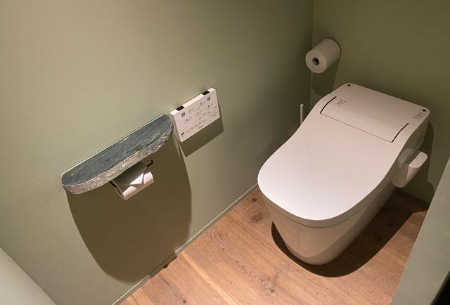 富山県南砺市井波のベッドアンドクラフトRoKu(ロク)のトイレ