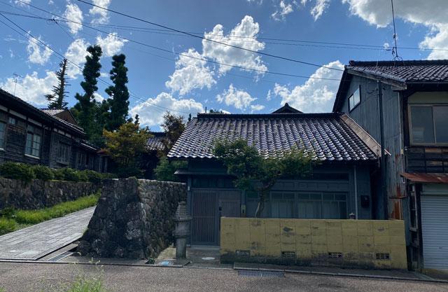 富山県南砺市井波のベッドアンドクラフトのTAË(タエ)外観