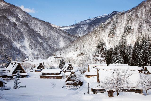 雪化粧した世界遺産、冬の五箇山