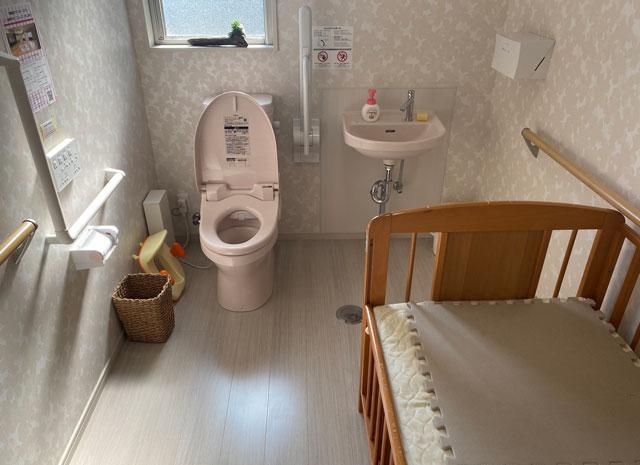 富山市のママスキーハウスのトイレ
