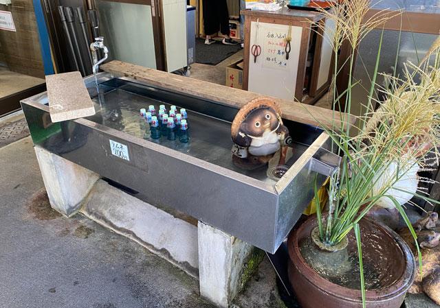 富山県上市町大岩エリアの人気素麺屋「ドライブイン金龍」のラムネ
