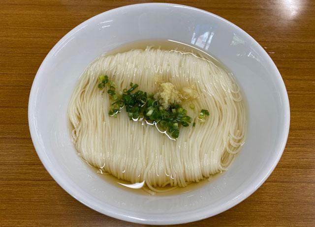 富山県上市町大岩エリアの人気素麺屋「ドライブイン金龍」の綺麗なそうめん