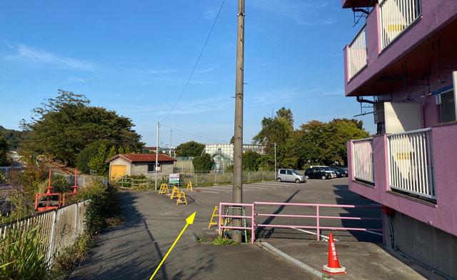富山市五福のラーメン屋「麺処 福助」の駐車場の場所2