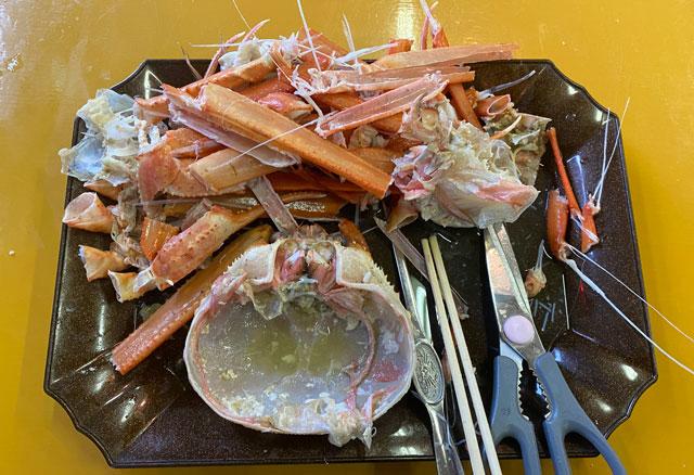 富山県射水市の観光施設「新湊カニ小屋」の蟹完食
