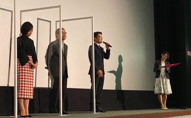 富山がロケ地の映画『大コメ騒動』の舞台挨拶、内浦純一さん