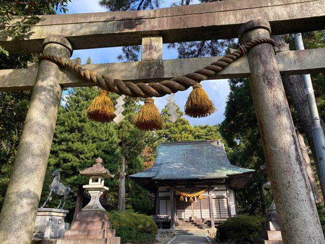 富山市旧大沢野の新緑と紅葉の名所「寺家公園」の姉倉比売神社