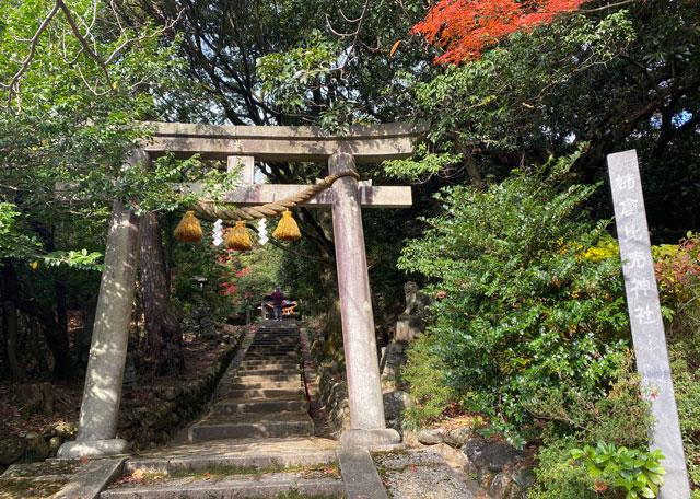 富山市旧大沢野の新緑と紅葉の名所「寺家公園」の姉倉比売神社2