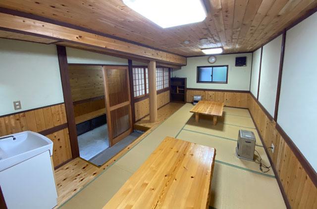 富山県黒部市宇奈月町の秘湯黒薙温泉の無料休憩室