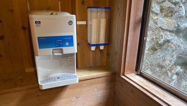 富山県黒部市宇奈月町の秘湯黒薙温泉の無料の水