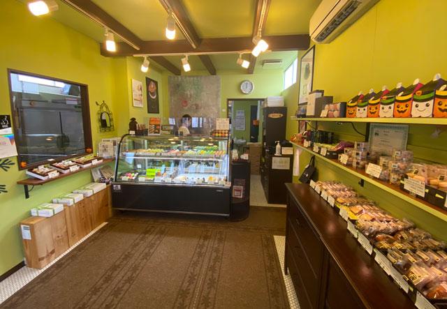 富山市の人気フランス菓子専門店「ムッシュ・ジー(monsieur J)」の店内