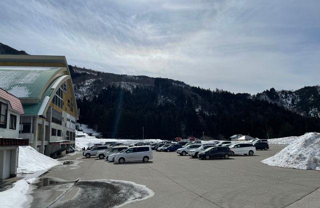 立山山麓スキー場(極楽坂)の駐車場