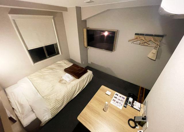 富山県富山市小杉、JR小杉駅徒歩1分のビジネスホテル「スーパーホテル」のエクストラルーム