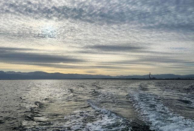 散骨富山千の風で散骨した日の富山湾の風景