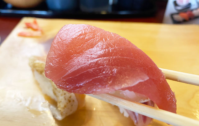 富山県の回転寿司「番やのすし」古沢店のマグロ寿司