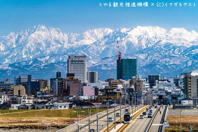 富山の写真家イナガキヤストさんが撮影した富山市五福の富山大橋