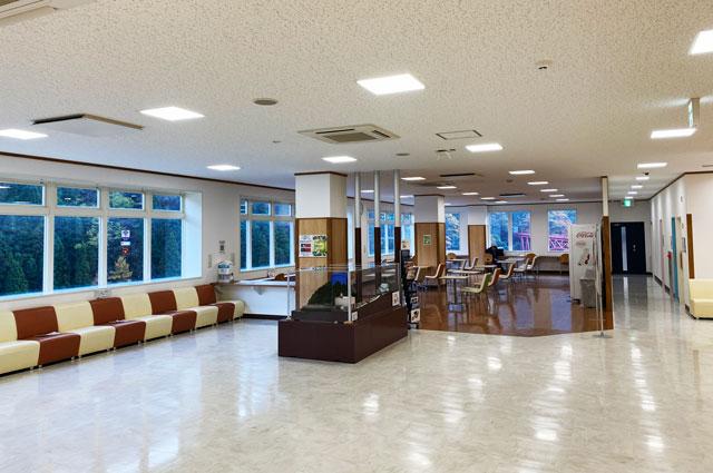 黒部峡谷鉄道「宇奈月駅」の2階休憩室