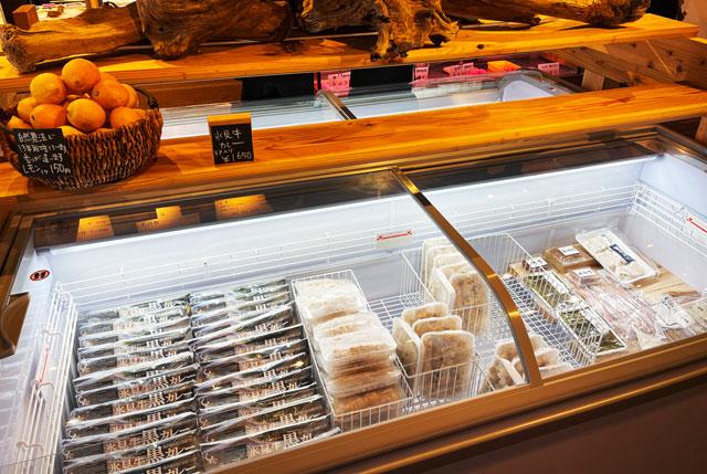 氷見牛屋横に移転リニューアルオープンした「精肉牛屋(せいにくぎゅうや)」の冷凍食品2