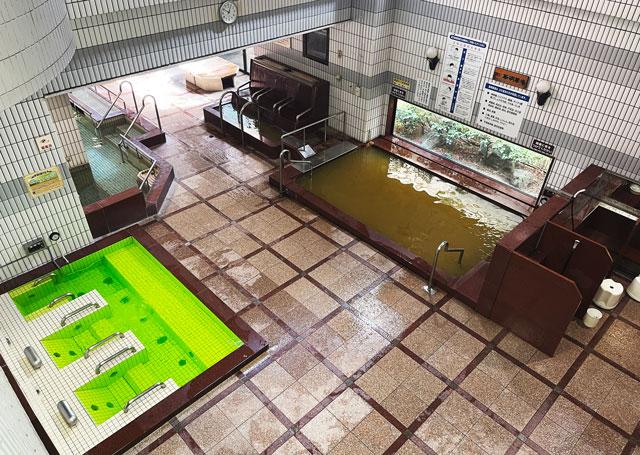 富山県高岡市の北陸健康センターアラピアの大浴場(上から)