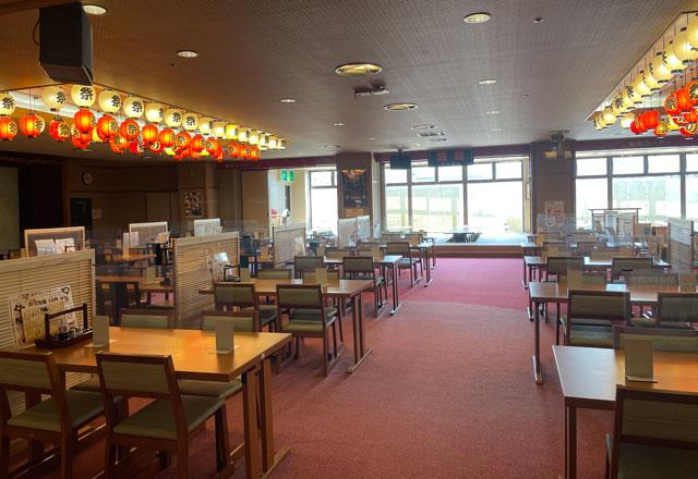 富山県高岡市の北陸健康センターアラピアのアミューズメントコーナーの1階大食堂「お祭り広場」