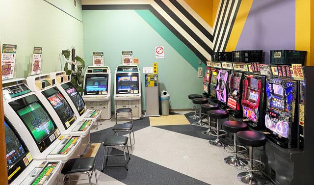 富山県高岡市の北陸健康センターアラピアのアミューズメントコーナーのゲームコーナー
