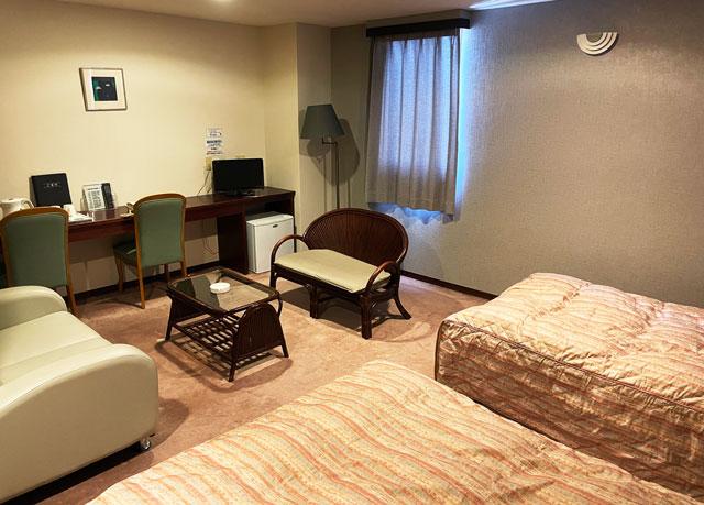 富山県高岡市の北陸健康センターアラピアの宿泊ホテル(洋室ツイン)