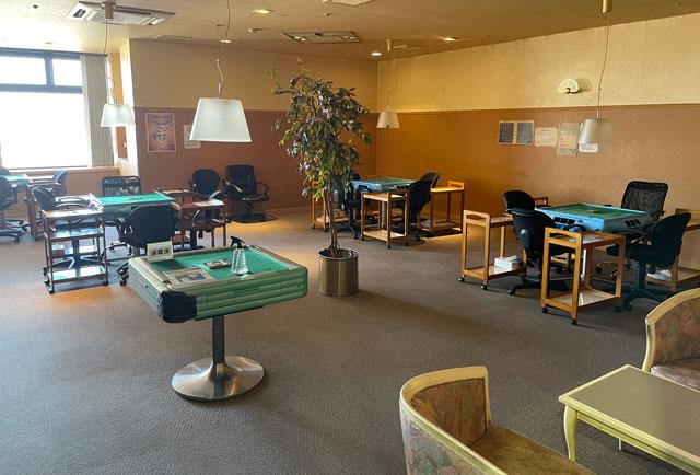 富山県高岡市の北陸健康センターアラピアの麻雀ルーム